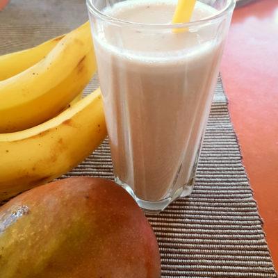 smoothie μπανάνα μάνγκο πρωτεϊνη